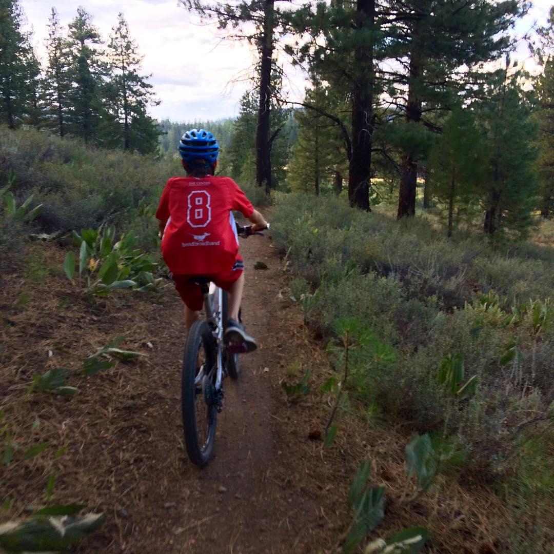 Chasing this hooligan's wheel down the trail @tobiasjbartels
